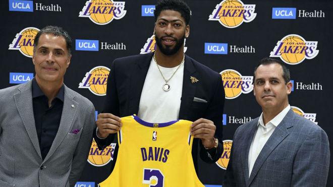Anthony Davis: «LeBron me ha dicho que quiere que sea la estrella de los Lakers»